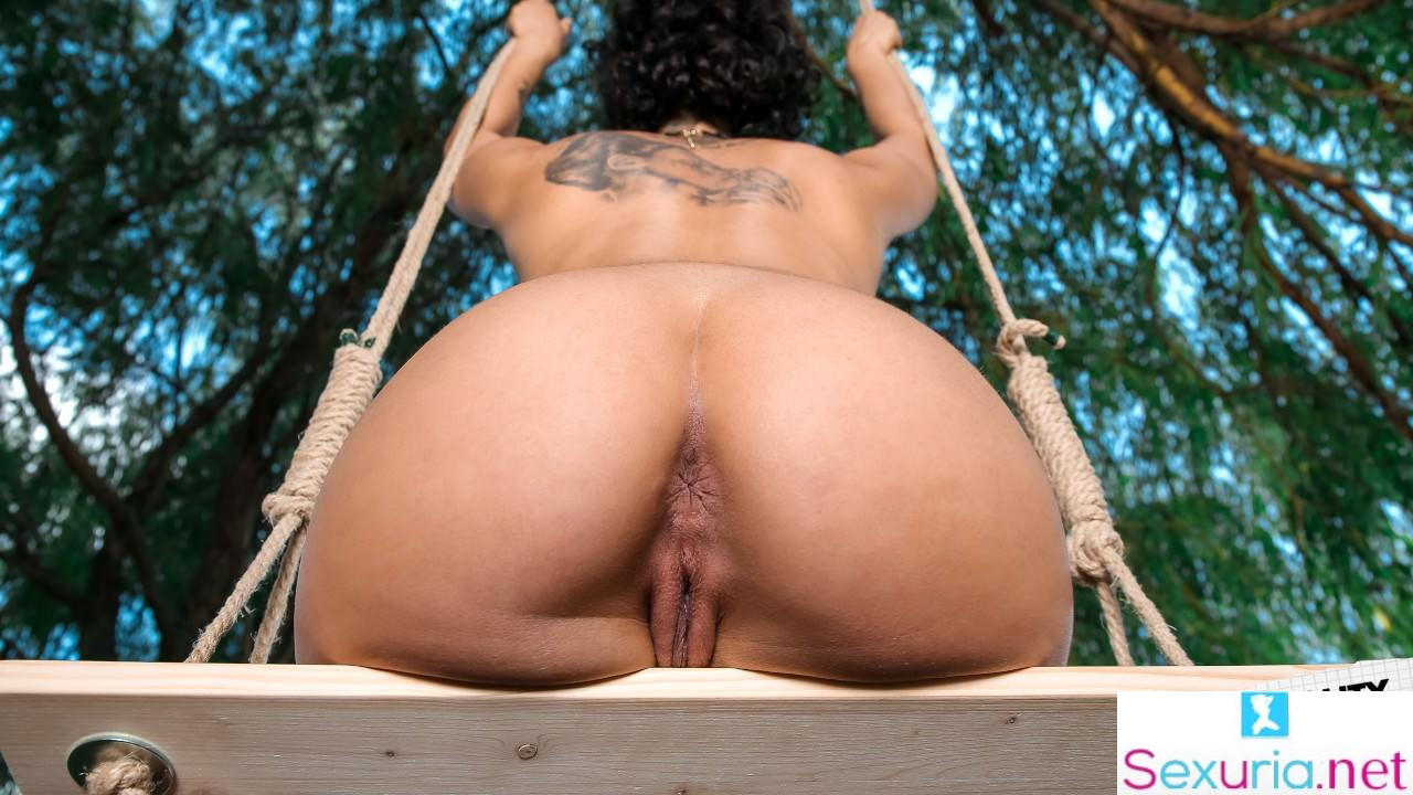 Big Naturals - Stacy Bloom